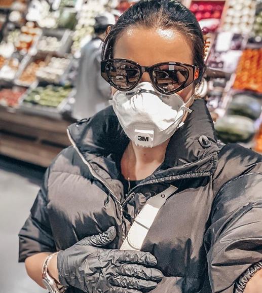 Ксения Бородина в маске
