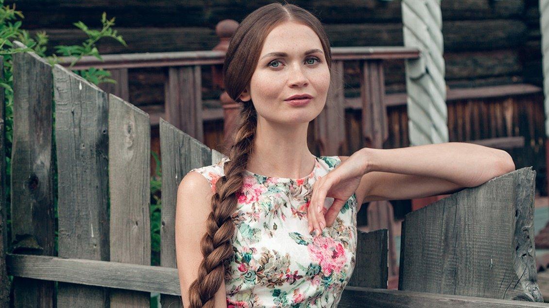 pricheska-na-vypusknoj-2019-foto-36